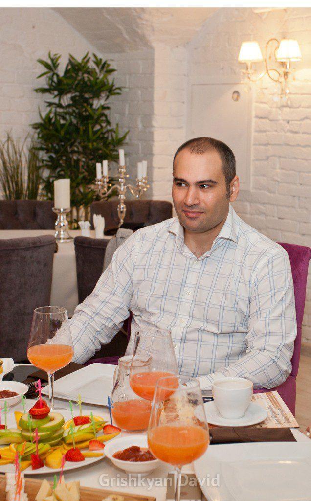 Давид Рубенович Гришкян пластический хирург москва фото